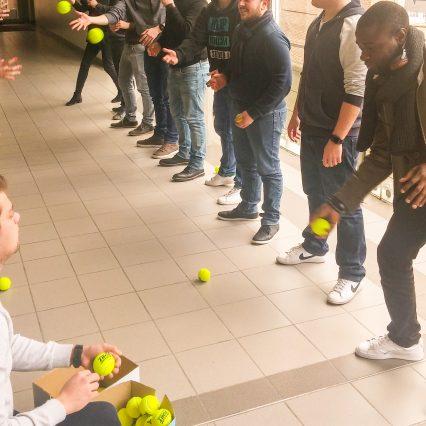 Ball Point Game avec 80 joueurs : rigolade assurée !